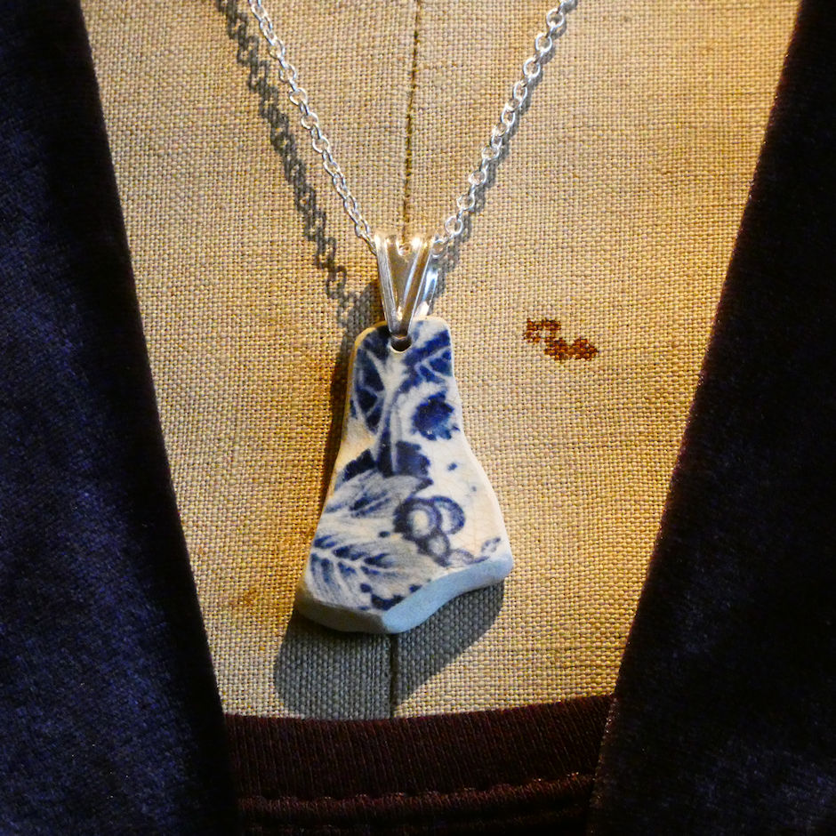 Blue China Abstract Pendant